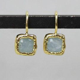 Jeh Jewels drop earrings of goldplated and aquamarine