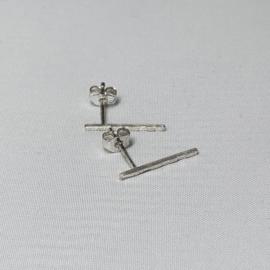 Charlotte Wooning oorstekers Ares, zilver