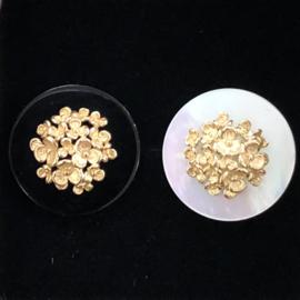 Jeh Jewels 14kt geelgoud oorstekers met onyx en/of parelmoer