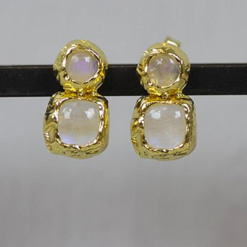 Jeh Jewels oorstekers zilver verguld met dubbel maansteen