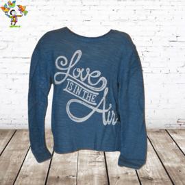 Trui Love lichtblauw