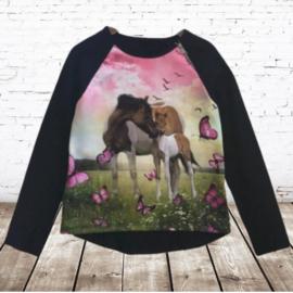 Shirt met paard en veulen zwart roze