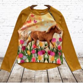 Shirt met paard oker geel