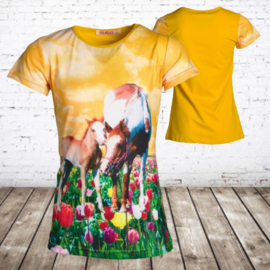 Meisjes t shirt met paarden okergeel