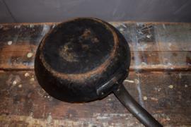 Zware ijzeren koekenpan