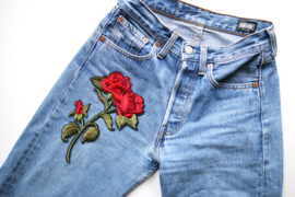 XL detailed rose