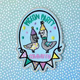 Pigeon Party Committee geborduurd embleem