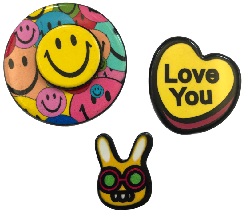 SMILEY LOVE YOU PIN SET