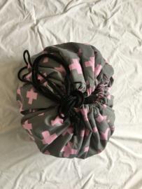 Speelzak plusjes grijs/roze