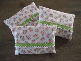 Zakdoekhoesjes Roze Bloemen met limegroen ruitjes band