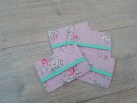 Zakdoekhoesje Roze bloem stip