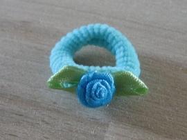 Elastiek Aquablauw, Blauw roosje