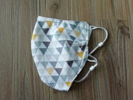Mondkapje grijs oker driehoekjes