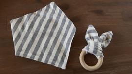Set Grijs oor/ Grijze streep sjaal