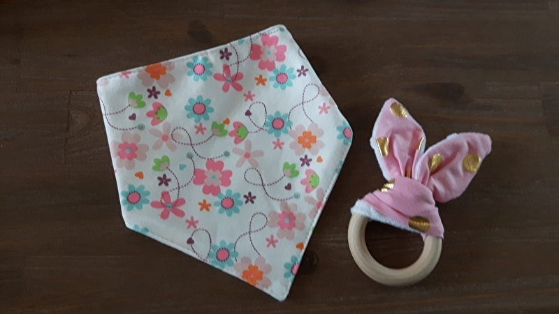 Set Roze oor/ Bloem sjaal