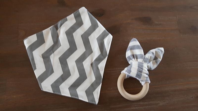 Set Grijs oor/ Zigzag sjaal