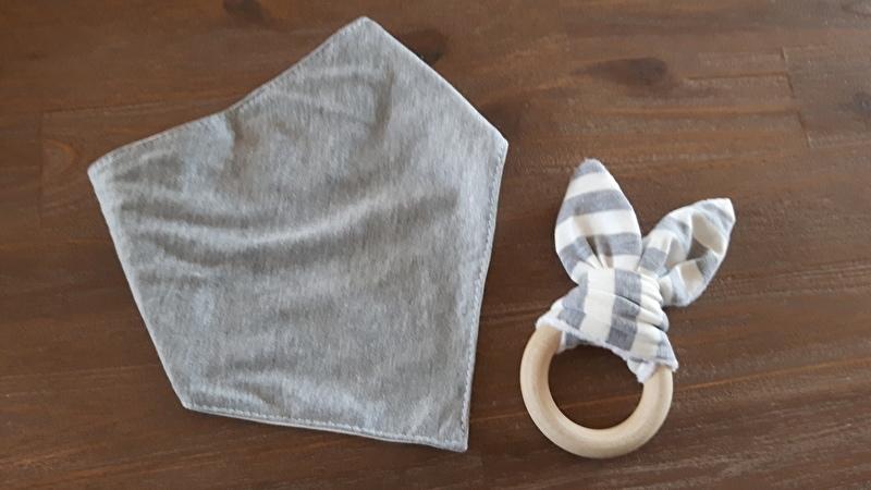Set Grijs oor/ Grijze sjaal