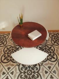 Table avec 3 petites tables