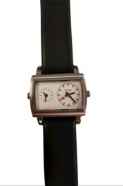 Mondaine horloge 2 tijd zones zwart/wit
