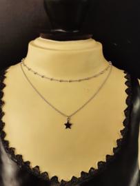 Zilveren collier met bolletjes en ster