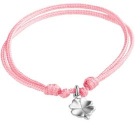 Gevlochten roze armband met zilveren klaver bedel