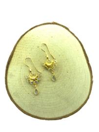 Goud op zilveren oorhangers
