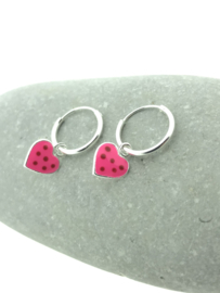 Zilveren oorringetjes hartje roze
