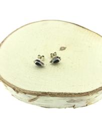 Zilveren oorstekers versierde druppel onyx
