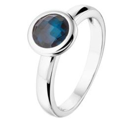 Zilveren ring synth. blauw topaas zetkast