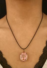 Hanger van kunsthars bloem klein roze