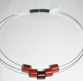 Tjongejonge collier buizen roodtinten