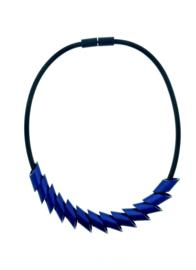 Tjongejonge collier cilinders donkerblauw