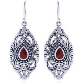 zilveren oorhangers met bloedkoraal