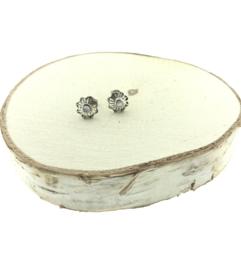 Zilveren oorstekers bloem parelmoer