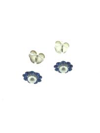 Oorstekers bloem met parel blauw