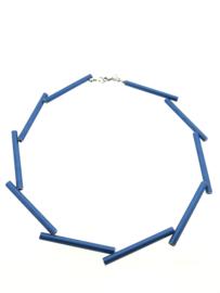 Handgemaakt collier lange stukken blauw