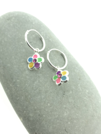 Zilveren oorringetjes bloemetjes rainbow