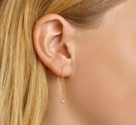 Gouden doortrek-oorbellen steentje