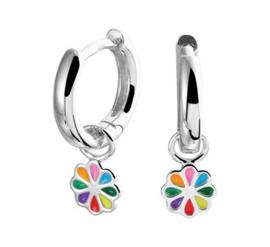 Zilveren oorringen regenboog bloem