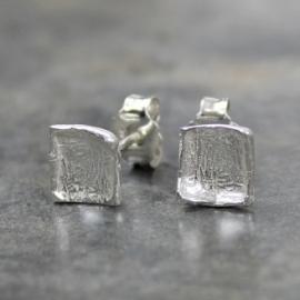 Zilveren vierkante oorstekers