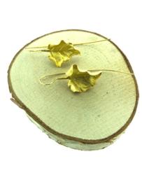 Goud op zilver oorhanger blad