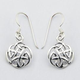 zilveren oorhangers: keltisch knoop