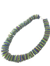 Handgemaakte collier rubber vierkantjes