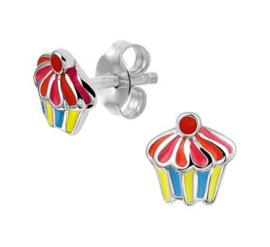 Zilveren oorstekers gekleurde cupcake