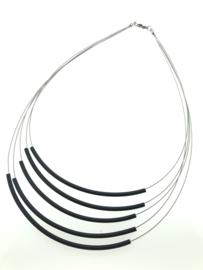 Handgemaakt collier 5 strengen zwart