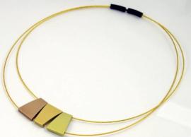 Tjongejonge collier 3 hangers geel/groen/bruin