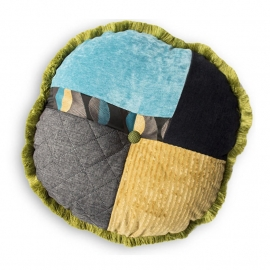 Patchwork kussen, A Patch of Multi, rond 55 x 55 cm (4)