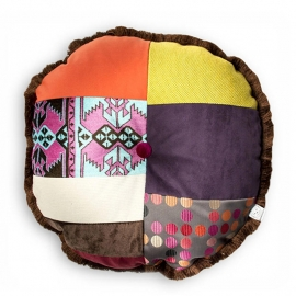 Patchwork kussen, A Patch of Multi, rond 55 x 55 cm (3)