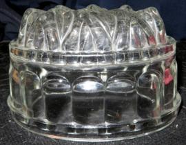 Blank glazen puddingvorm