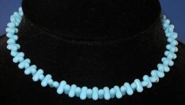 Licht blauwe glaskralen ketting